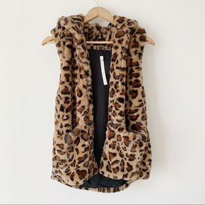 Love Tree Faux Fur Vest Leopard Pockets